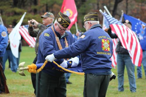 2015_1111_veterans_day_calverton_cemetery-29