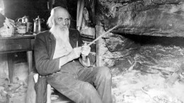 wes-whittling