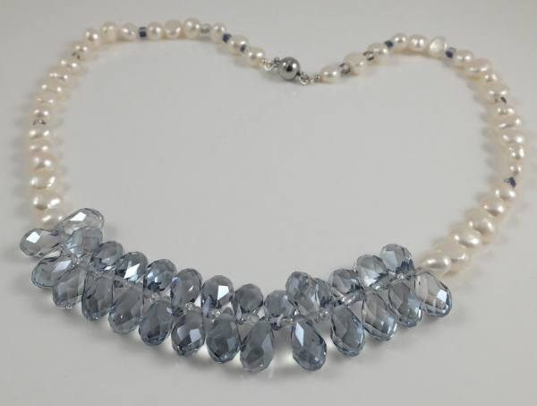 Blue crystal drop & white baroque pearl 19.5''
