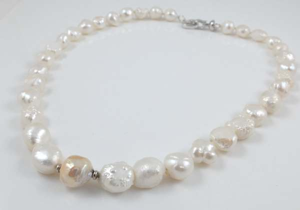 White Hedgehog Freshwater Pearl Necklace 19''