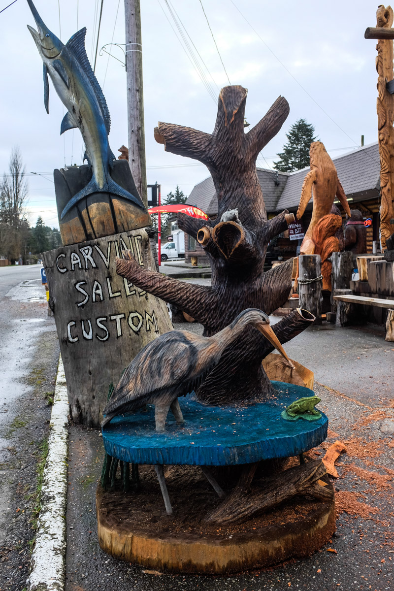 Chainsaw carved sitting bear small u make it magic