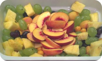 Vitamine gefällig? Ausgewählte frische Früchte der Saison in mundgerechten Stücken, lecker mariniert - ca. 2 kg - 50 €