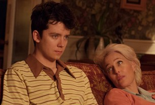 Asa Butterfield e Gillian Anderson in Sex Education