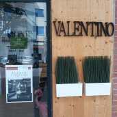VALENTINO Hair Natural