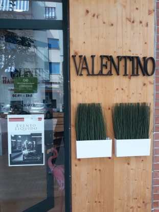 VALENTINO Hair Natural