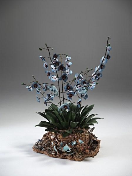 Bertozzi & Casoni Disgrazia con orchidee blu 2012