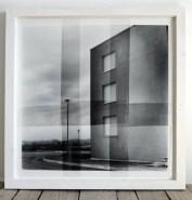 Luca Piovaccari, Edificio, 2002, fotografia su pellicole, 100x100 cm, Collezione Sergio Bariatti, Milano