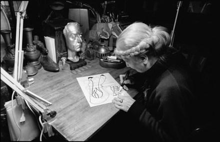 Carol Rama nel suo studio. Photo Roberto Goffi © Archivio Carol Rama