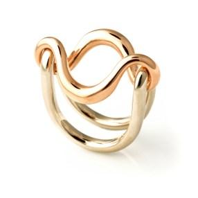 Franco Mello Michelangelo Pistoletto Terzo Paradiso anello in oro e argento 2014 ph Carlo Carossio