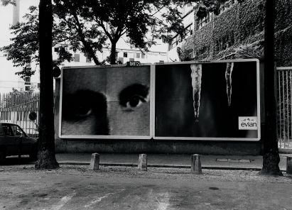 Christian Boltanski Les Regards, 1998 stampa fotografica su cartellone pubblicitario / photo print on billboard veduta di allestimento a Parigi / installation view in Paris, 1998 © C. Boltanski