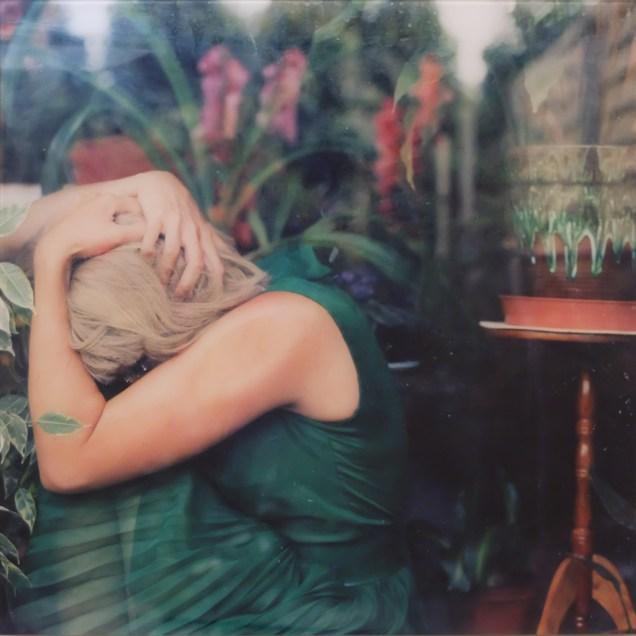 Chantal Michel Fotografia dalla serie Nymphenburgerstrasse 97 2001 Courtesy CE Contemporary