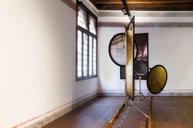 A fuoco continuo, installation view
