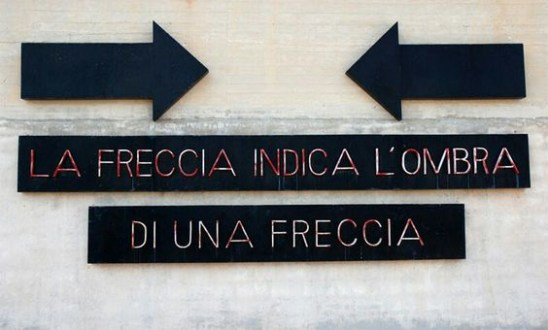 Emilio Isgrò, La freccia che indica l'ombra di una frecci a, Gibellina