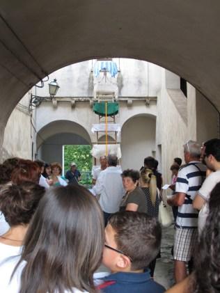 RANA HADDAD e PASCAL HAKEM, vertical procession, 2014, courtesy Roccagloriosaresidenzadartista