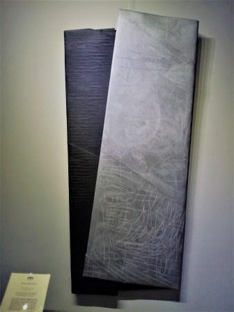 Cesare Berlingeri, Senza titolo piegato, tecnica mista su tela piegata, cm 57x126, 2016