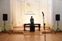 Nn – Memories of you (real time), performance di Alessio de Girolamo, 2018, ex chiesa di San Leonardo, Fano_Arte & Jazz PERFORMING. Foto di Michele Alberto Sereni