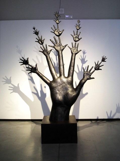 Il Tempo, 1989-2009, bronzo con patina nera, 252x304x35. Collezione Gemma De Angelis Testa, Musei Reali Torino 2019. Crediti fotografici Daniele Bottallo.