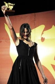 """Micaela Ramazzotti premiata per il film """"Un matrimonio"""" di Pupi Avati"""