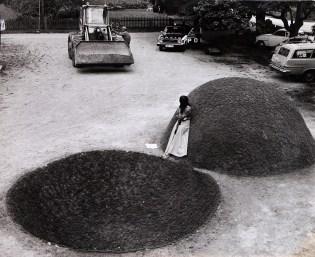 Teresa Murak, Sculpture for the Earth, 1974, courtesy of the artist and Museum of Modern Art, Varsavia