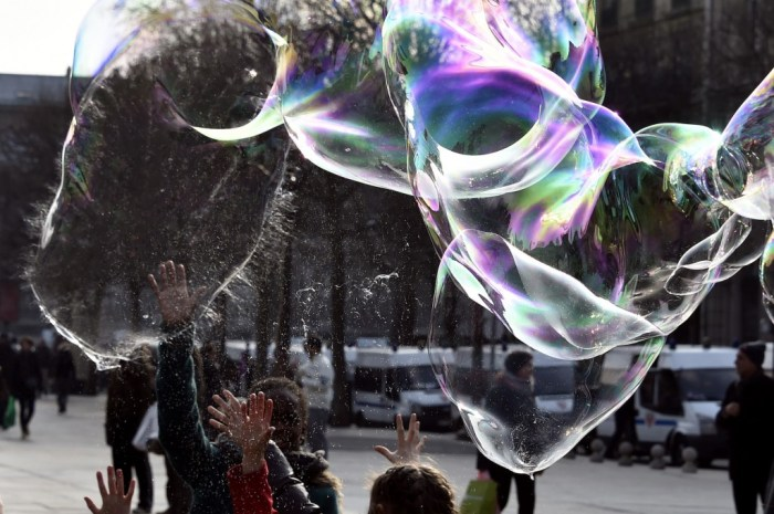 FRANCE-SOAP-BUBBLE-LEISURE