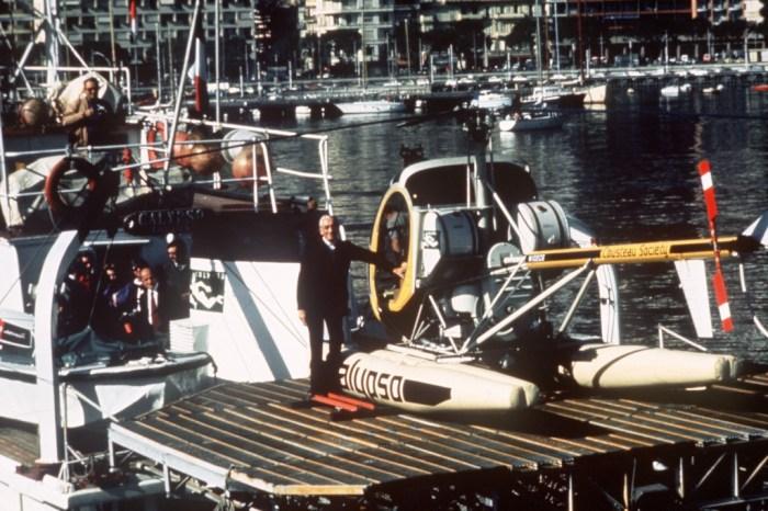 Photo dat?e de novembre 1975 de l'explor