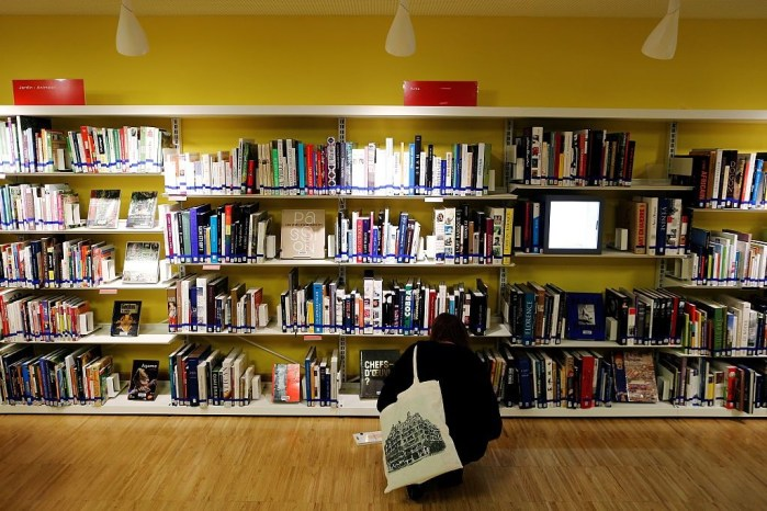 FRANCE-FEATURE-LIBRARY