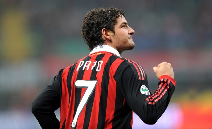 MILAN, ITALY - NOVEMBER 22: Pato of Milan celebrates after scoring their third milan's goal during the Serie A match between Milan and Cagliari at Stadio Giuseppe Meazza on November 22, 2009 in Milan, Italy. (Photo by Dino Panato/Getty Images)