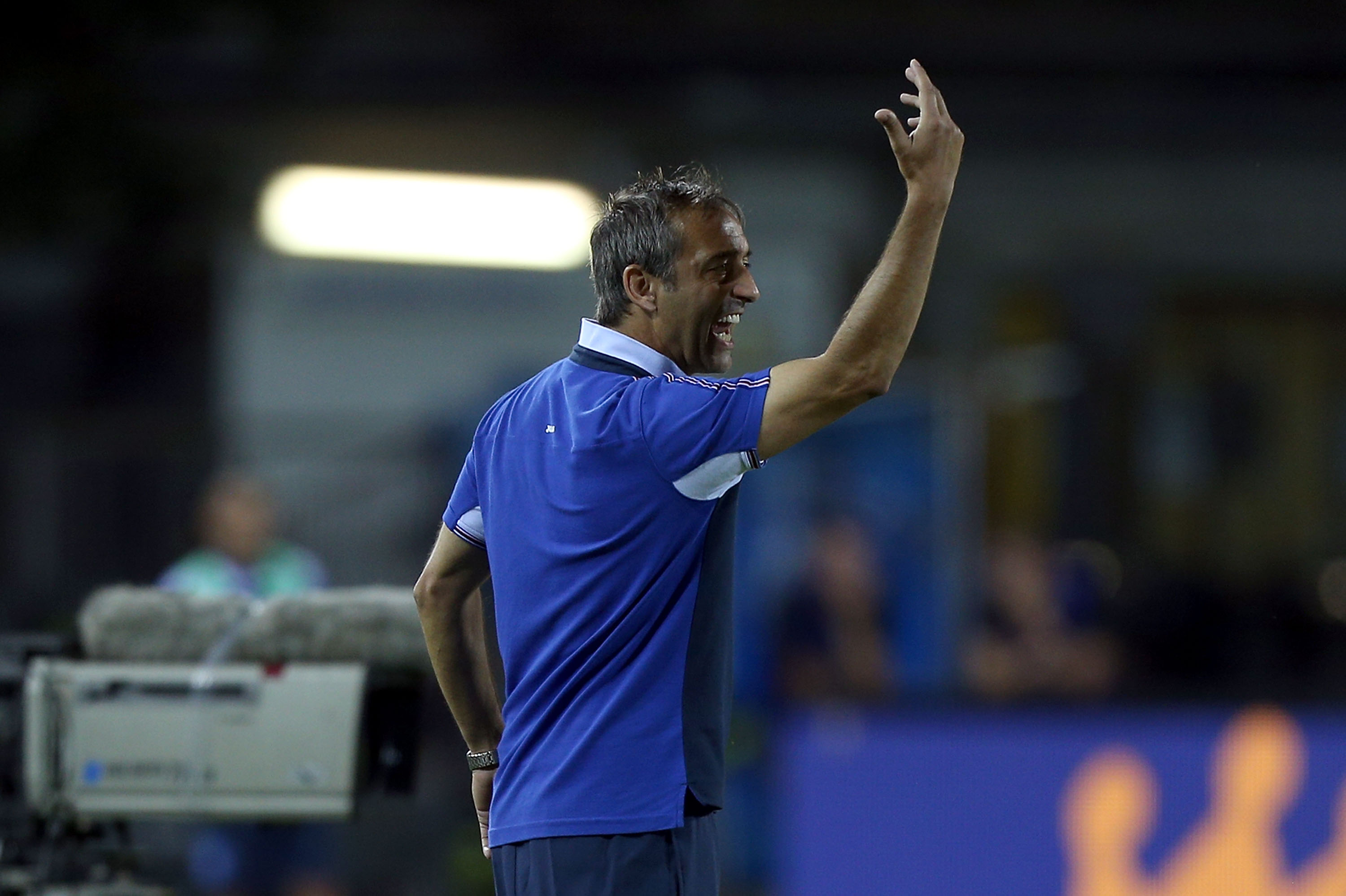 EMPOLI, ITALY - AUGUST 21: Marco Giampaolo manager of UC Sampdoria gives instructions during the Serie A match between Empoli FC and UC Sampdoria at Stadio Carlo Castellani on August 21, 2016 in Empoli, Italy. (Photo by Gabriele Maltinti/Getty Images)