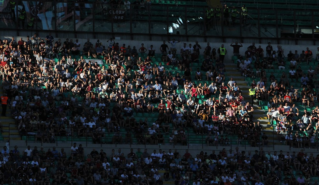 MILAN, ITALY - AUGUST 21: The AC Milan fans during the Serie A match between AC Milan and FC Torino at Stadio Giuseppe Meazza on August 21, 2016 in Milan, Italy. (Photo by Marco Luzzani/Getty Images)