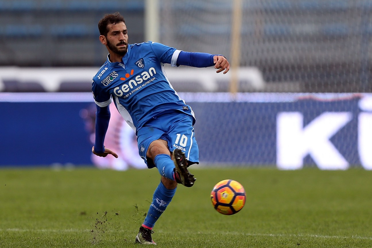 EMPOLI, ITALY - OCTOBER 23: Riccardo Saponara of Empoli FC in action during the Serie A match between Empoli FC and AC ChievoVerona at Stadio Carlo Castellani on October 23, 2016 in Empoli, Italy. (Photo by Gabriele Maltinti/Getty Images)