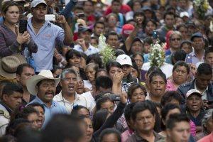 Proteste ad Oaxaca il giorno dopo il massacro