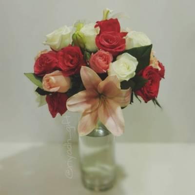 مزهرية ورد طبيعي