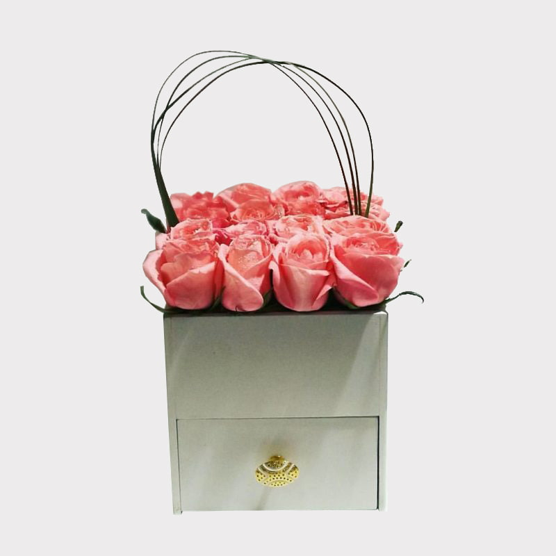 صندوق ورد ودرج قابل للسحب
