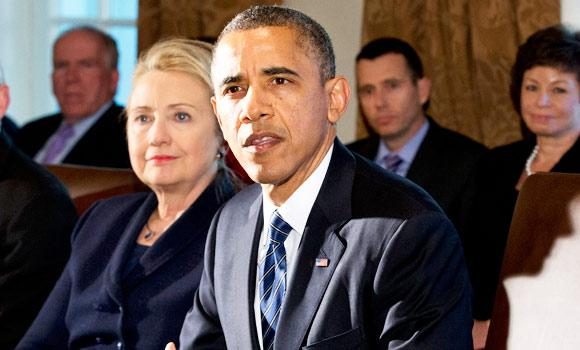 Hillary Rodham Clinton (L) and President Barack Obama. (AP file photo)