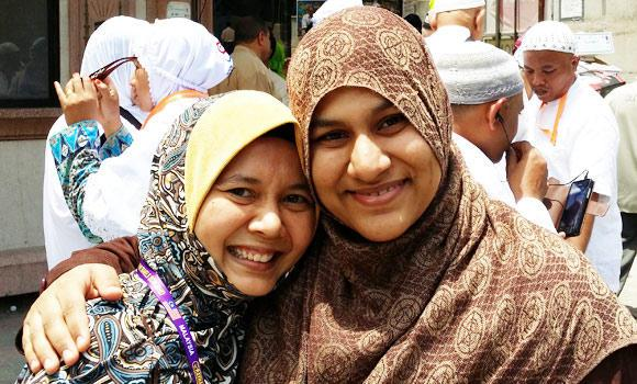 Lihanna Borhan of International Islamic University Malaysia with her student Muhsinah in Makkah.