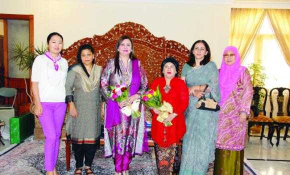 From left, Saltanat Batyrshaeva of Kazakhastan, Shahnaz Islam of Bangladesh, Aneela Naeem Khan of Pakistan, Yasmin Fachir of Indonesia, Asiya Hamid Rao of India, Datin Hajah Zalina Bte of Brunei Darussalam. (AN photo)