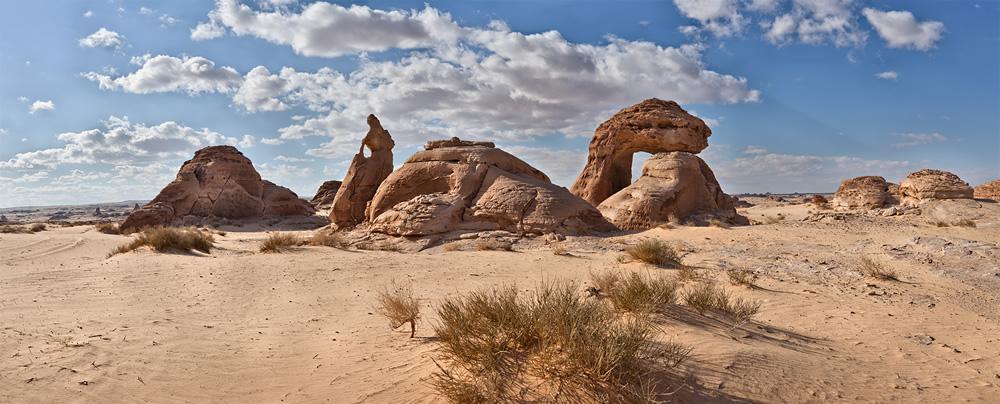 Al-Naslaa-Rock-Formation