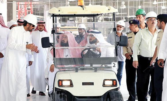 Sheikh Abdul Rahman Al-Sudais, head of the Presidency for the Two Holy Mosques, inspects the Haram expansion project on Thursday. (SPA)