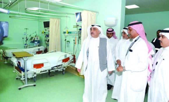 Acting Health Minister going round the health facilities in Makkah on Sunday night.