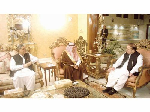 Prince Muqrin Bin Abdulaziz, deputy crown prince and second deputy premier, receives Pakistan Prime Minister Mohammed Nawaz Sharif in Jeddah
