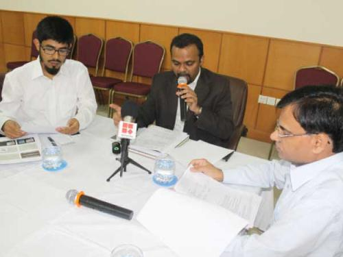 Indian Consul General B.S. Mubarak addressing a press conference in Jeddah on Monday. Sheikh Mohammed Noor Rahman, consul for Haj, and Dr. Irshad Ahmed, consul for press, information and culture, are also seen.