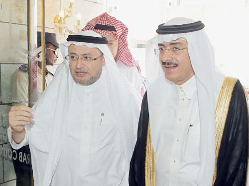 Haj Minister Bandar Hajjar tours the Tawafa establishment for pilgrims from Turkey, Europe, Australia on Tuesday.