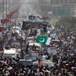 Pakistan: 60,000 rally against PM Sharif