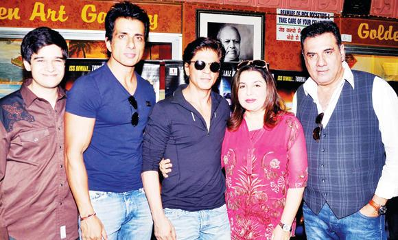 Cast of 'Happy New Year' from left, Vivaan Shah, Sonu Sood, Shah Rukh Khan, director Farha Khan, and Boman Irani.