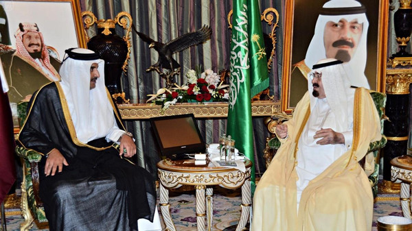 Custodian of the Two Holy Mosques King Abdullah receives at his palace in Jeddah Sheikh Tamim Bin Hamad Al Thani, Emir of Qatar, on Monday night.(SPA)