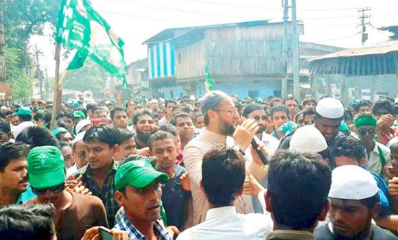 MIM chief Asaduddin Owaisi drew massive crowds during electioneering in Maharashtra.