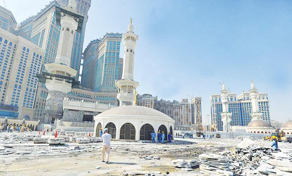 Work is under way to create more space for worshippers at the Grand Mosque. (SPA)