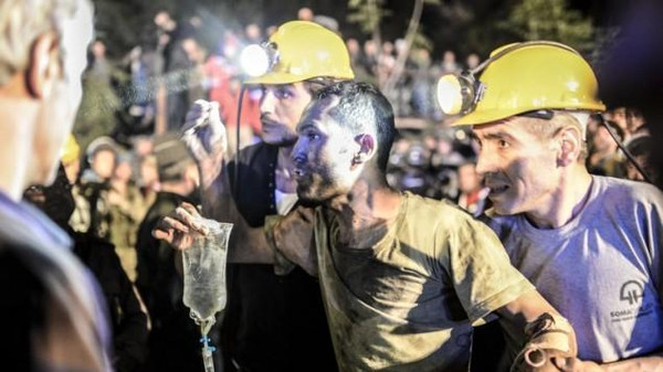Hope is waning of saving 18 Turkish miners trapped by a flood in a mine in the south of the country.