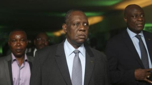 Confederation of African Football (CAF) President Issa Hayatou (C) arrives for the 2013 CAF Awards in Lagos Jan. 9, 2014.