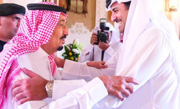Custodian of the Two Holy Mosques King Salman receives Qatar Emir Sheikh Tamim bin Hamad Al-Thani at Al-Auja Palace in Diriyah on Thursday. (SPA)